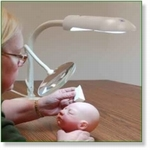7222 - Reborn tools: Daylight Lamp With Magnifier Large